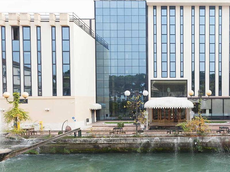 LEONDORO-HOTEL